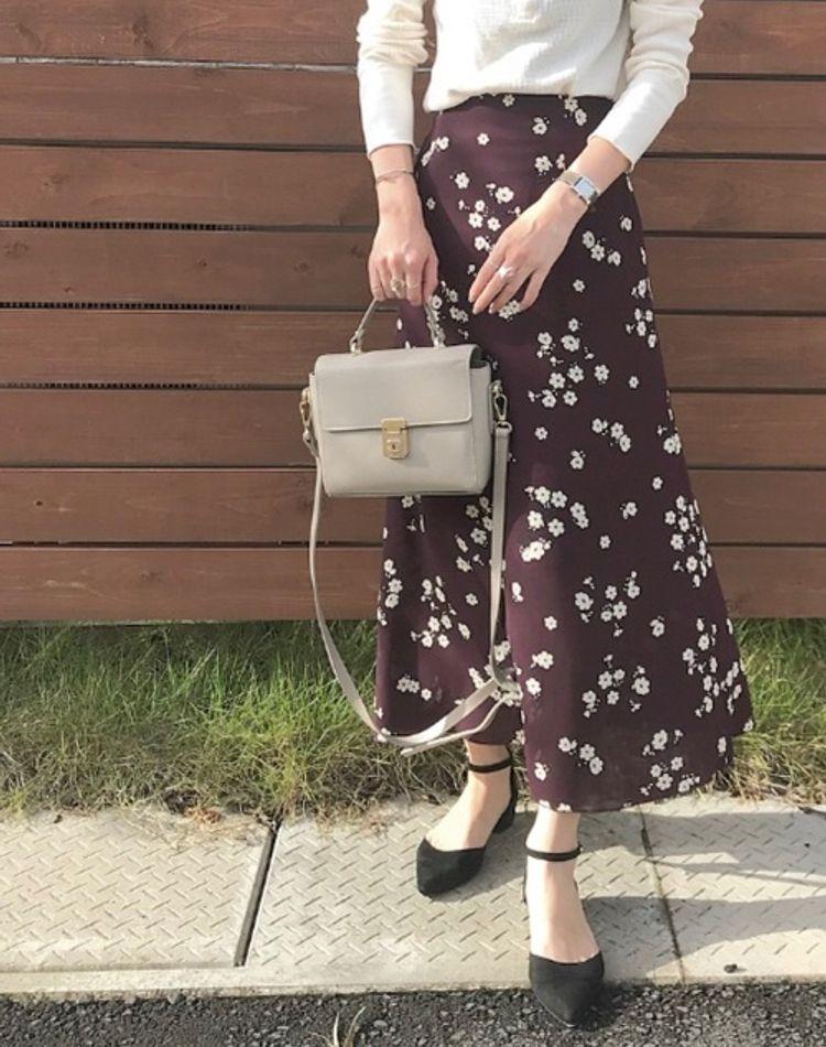 オシャレな花柄スカートコーデ!大人女子におすすめの着こなし