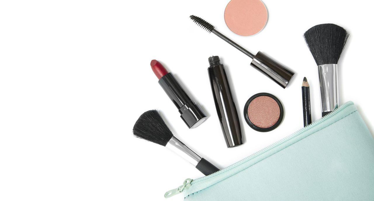 化粧の正しい順番をおさらい!ベースメイクやアイメイクの基本