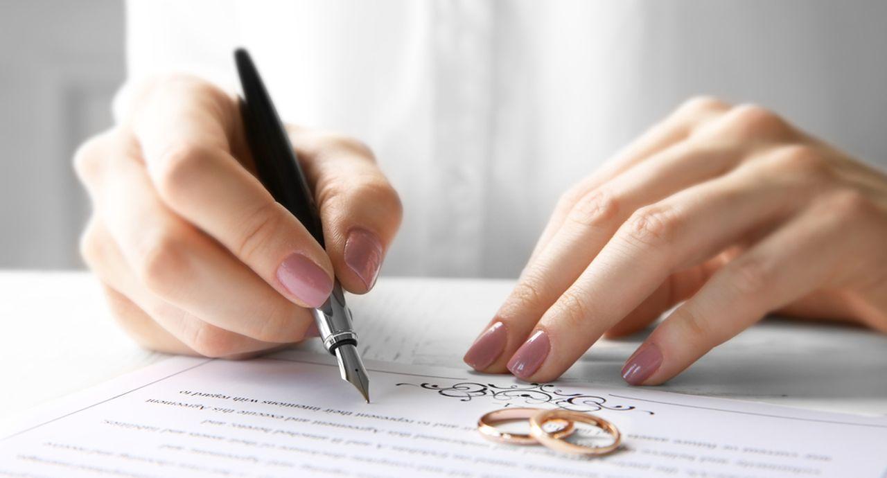結婚する時の本籍地の決め方って?変更の手続きの方法もご紹介