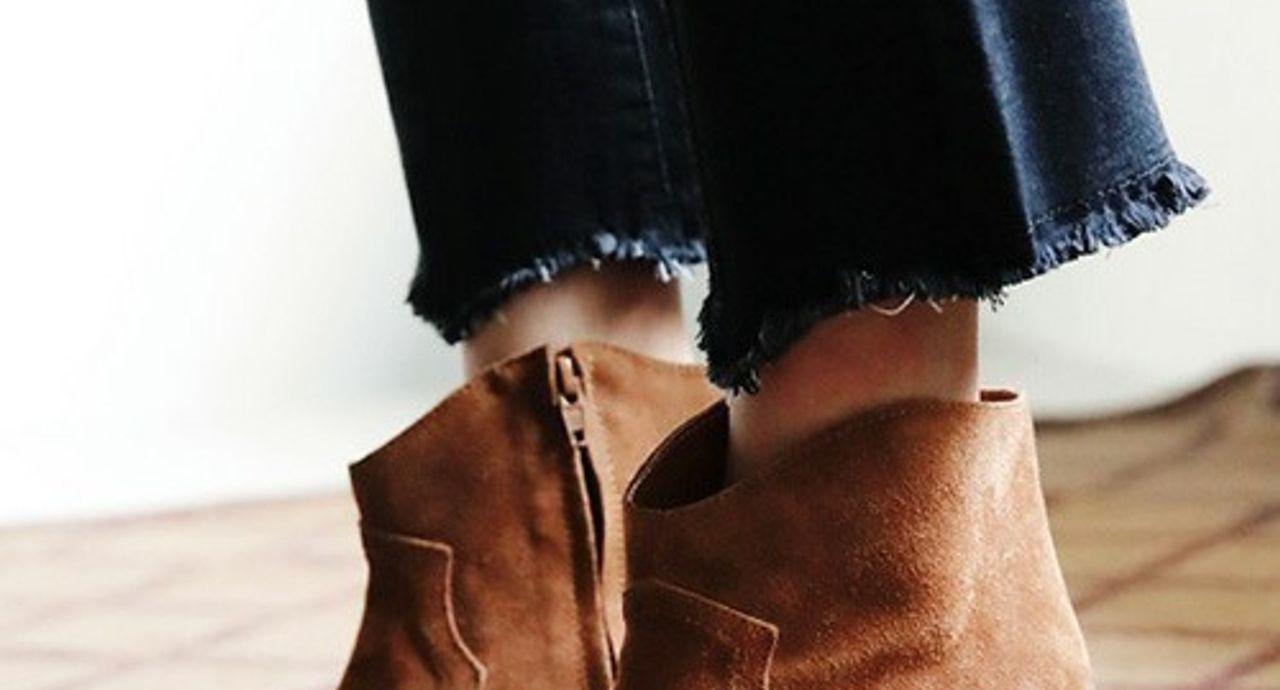 キャメルのショートブーツを使ったコーデ集!柔らかい足元を作ろう