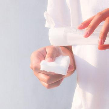 脂性肌の化粧水の選び方やおすすめ!つけ方やスキンケアの重要性も