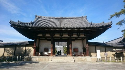 斑鳩の自慢 1400年以上の歴史を誇る法隆寺 門をくぐって飛鳥へ