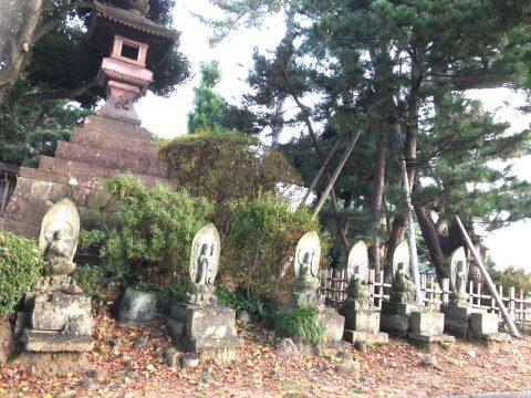 ひがし茶屋街の3歩先 400年前が残る寺の町「卯辰山山麓寺院群」
