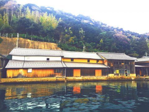伊根舟屋の海上タクシーで絶景を見た後は伊根の美味を堪能しましょう