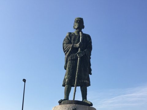 三重県伊賀で俳諧師として活躍した松尾芭蕉の半生をたどる文学の旅