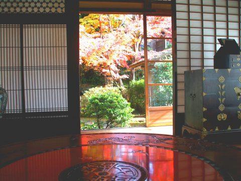 茅葺き屋根に入母屋造り 伝統技術を引き継ぐ茨城笠間の歴史を辿る