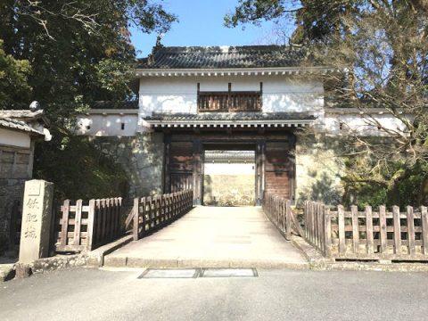 飫肥に訪れる観光客が圧倒される「大手門」ここから始まる歴史を堪能