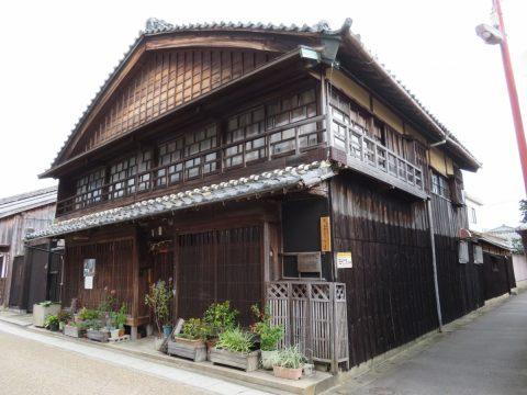 東海道47番目の宿場町 重伝建 亀山「関宿」にある御馳走場とは