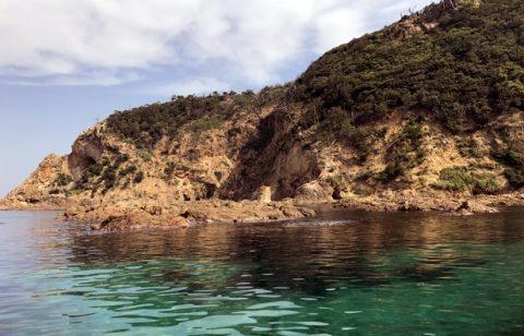 鷺浦の美しい海をクルージング 知られざる絶景や神秘的な光景に感動