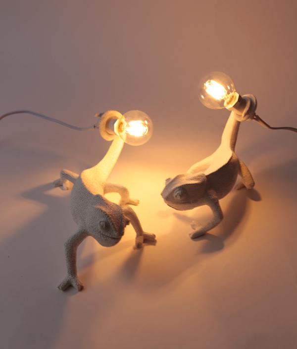 CHAMELEON LAMP / RIGHT-GOING DOWN