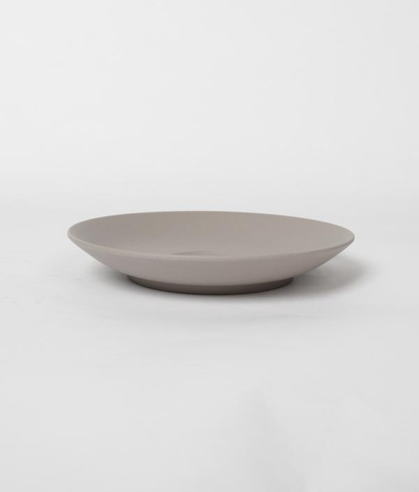 SHIONARI saucer Gray /yumiko iihoshi porcelain