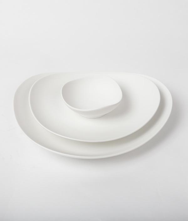 SHIONARI plate 195mm White /yumiko iihoshi porcelain