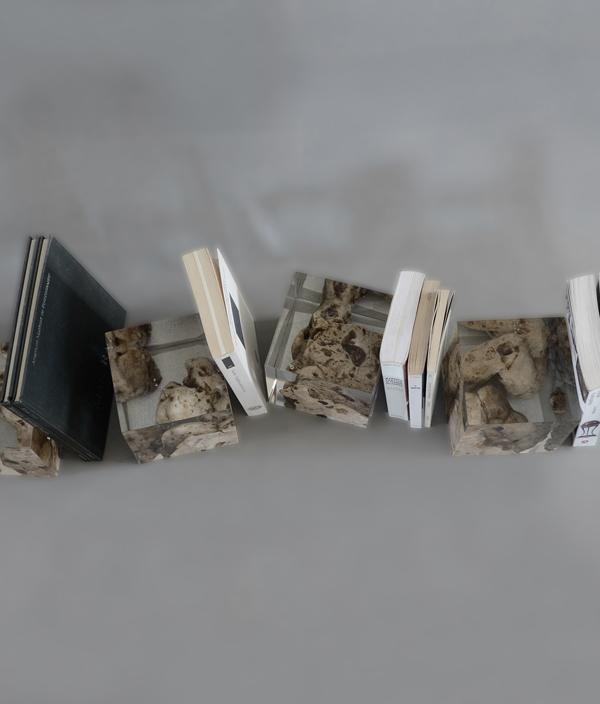 FLOATING KARST BOOKENDS / alcarol(アルカロール)