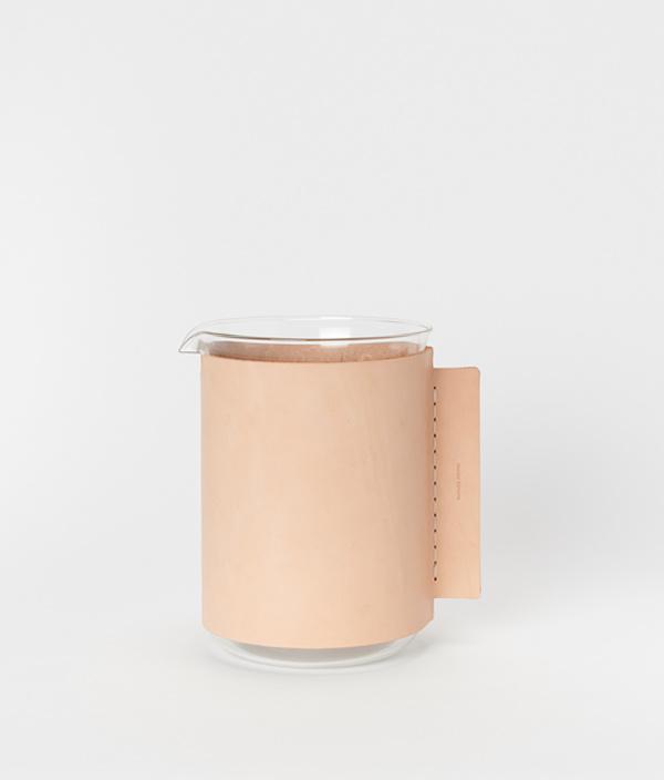 化瓶:Beaker 2000ml / Hender Scheme(エンダースキーマ)