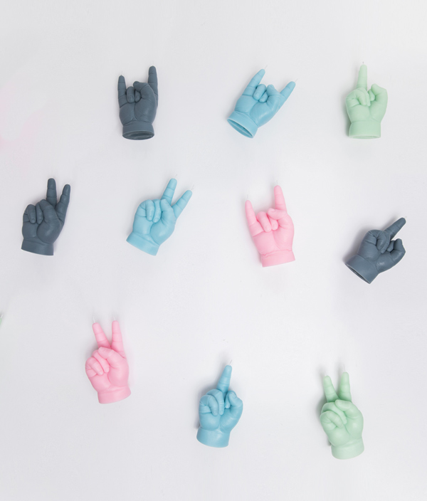 CANDLE HAND BABY VICTORY <Blue>