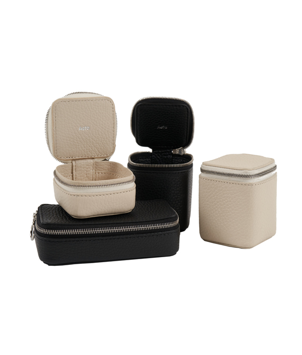 SMALL CONTAINER D BLACK /PG29 / Aeta