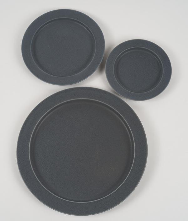 unjour plate rainy gray /S(gouter) /yumiko iihoshi porcelain