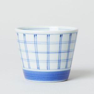 梅山窯 砥部焼の猪口 小 格子呉須巻き