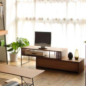 お部屋に合わせて幅を調整できるテレビボードです。