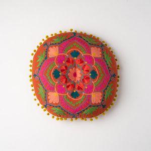 インド刺繍 ラウンドクッション テラコッタ