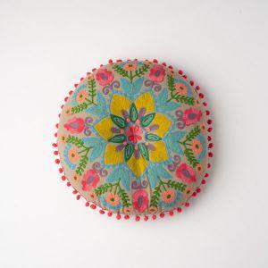 インド刺繍 ラウンドクッション グレーB