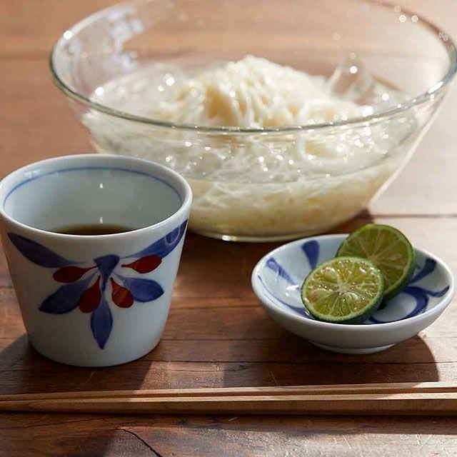 梅山窯 砥部焼の豆皿 一つ唐草