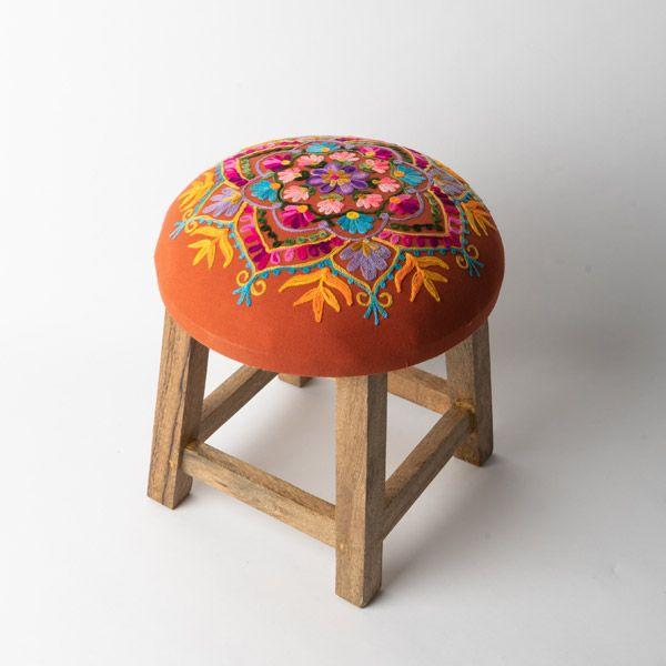 インド刺繍 GADDIスツール テラコッタ