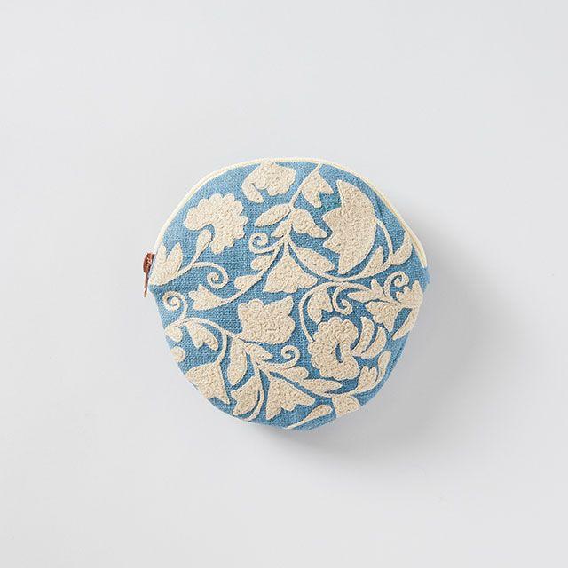刺繍ラウンドポーチ ブルーグレー×オフホワイト