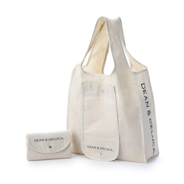 コットン素材の素朴な風合いが魅力のバッグ