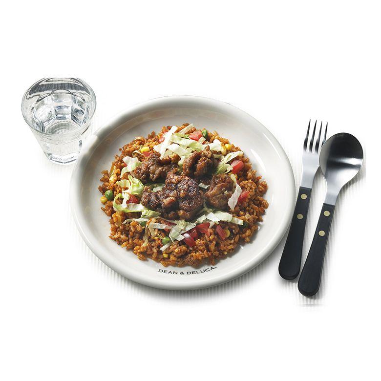 あらゆる料理をひき立てる、シンプルで使いやすいサイズのプレートが新登場!
