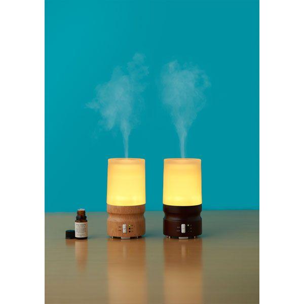 柔らかいランプの灯りと超音波のきめ細かいミストが心を和ませてくれます。