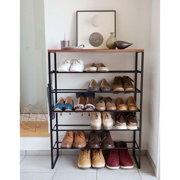 付属のフックで靴べらや、折り畳み傘を引っ掛けて収納できます