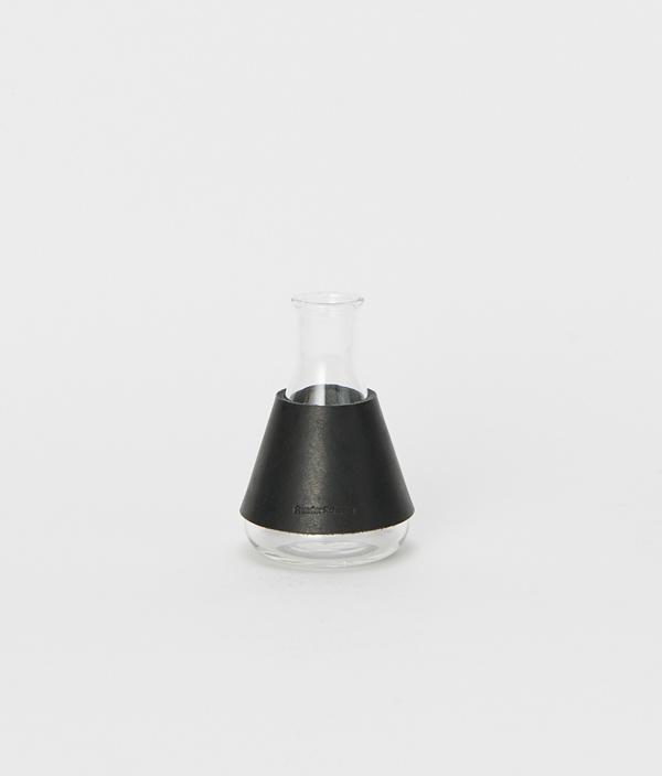 化瓶:Erlenmeyer flask 100ml Black / Hender Scheme(エンダースキーマ)