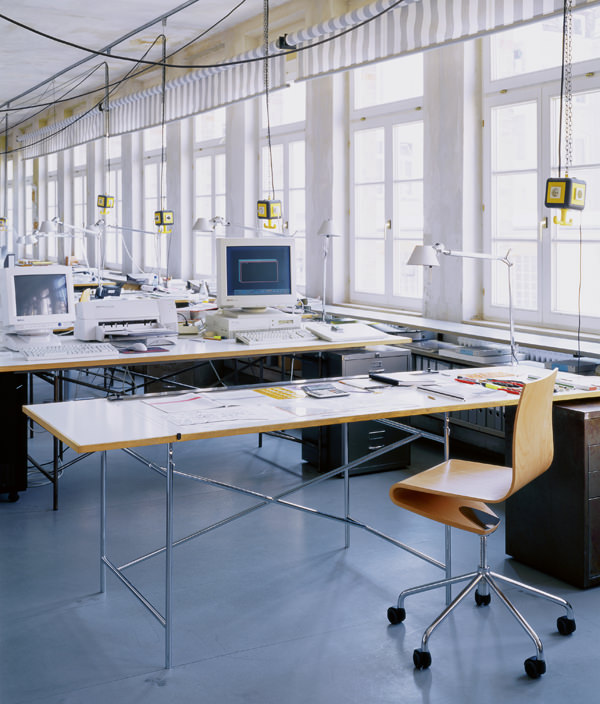 Eiermann Table/M/ホワイト