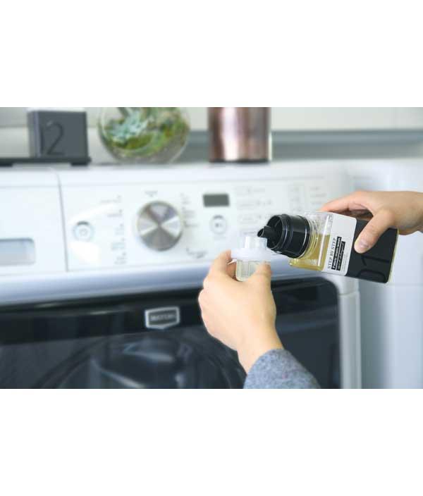 [02]洗濯できない衣類や布製品の除菌スプレー。ほのかな石鹸の香りがあるので洗濯後の香り付けにも。