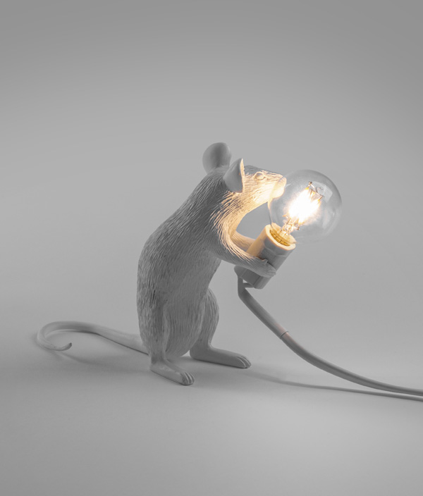 MOUSE LAMP / SITTING