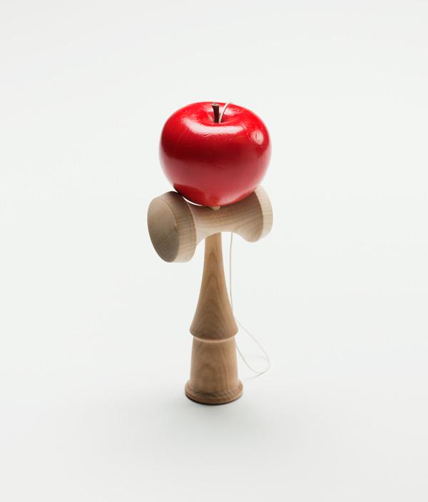 りんごのけん玉