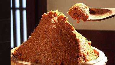福岡店 『丸秀醤油』に教わる、味噌づくりセミナー開催