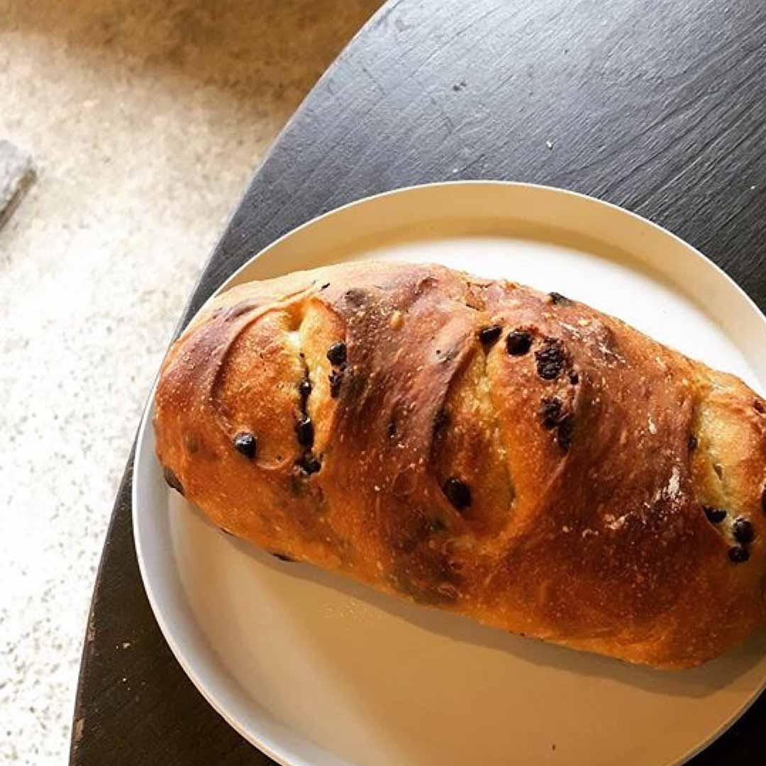 'apelila 自家製酵母パンの販売