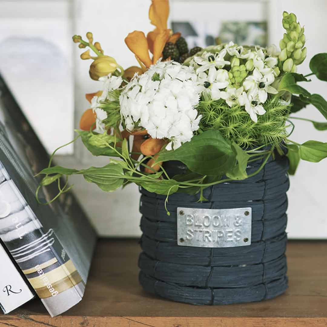 BLOOM & STRIPES お花の販売とミモザのミニブーケづくり