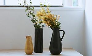 花は選ぶ花器によって表情がかわります