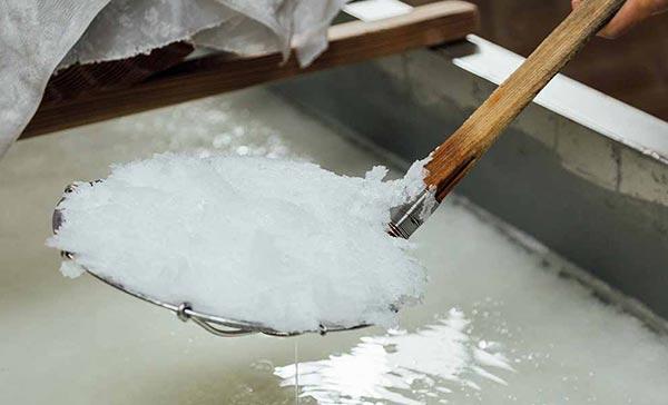 自然100%の天然塩<br>塩から食卓がかわる