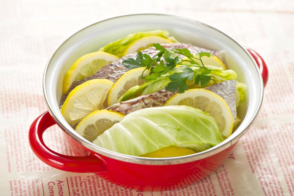 キャベツと白身魚のレモン蒸し