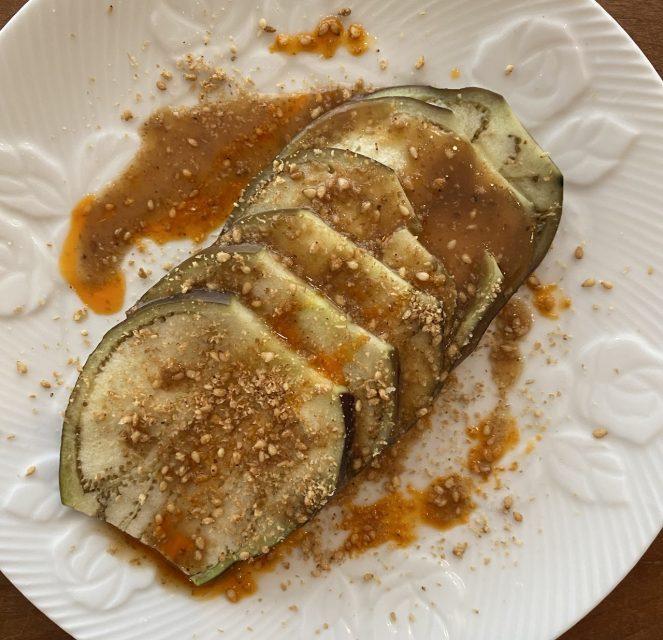 レンジで水茄子の蒸しナス ピリ辛ごまだれ