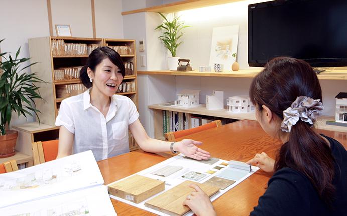 ご利用事例/会社らしさが出る仕事は自社スタッフが対応。フリーランスのサポートが、少数精鋭の事業を大きくアシスト