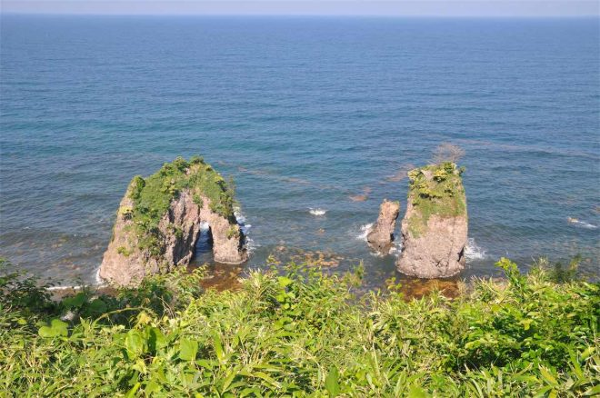 「能登金剛」の一部、「夫婦岩」