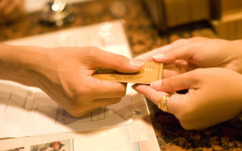 フリーランスはクレジットカードを使うべき? 経費支払いのポイントを紹介