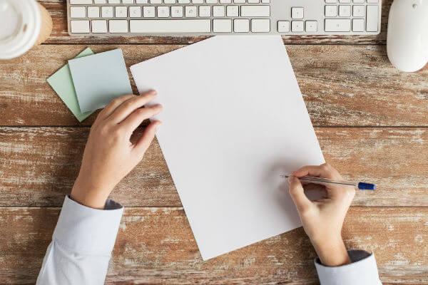 営業リストを作っている画像
