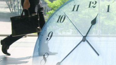 長時間労働によるリスクは大きい!具体的な改善策をわかりやすく解説