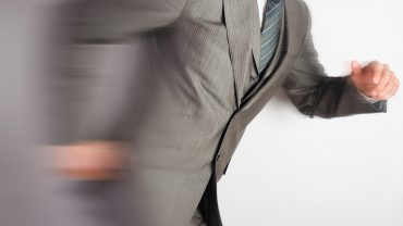 個人の仕事を効率化させるには?仕事の早い人の特徴や方法を解説